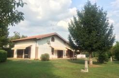 Villa singola con 1000 mq di parco pianeggiante