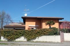 Villa indipendente in residence con piscina