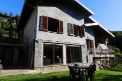 Villa singola con giardino al Lago d'Argento