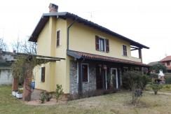 """""""Cascina Campone"""" Casale rustico ristrutturato a risparmio energetico"""