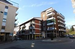 In pieno Centro, quadrilocale con 25 mq di terrazzi. UNICO