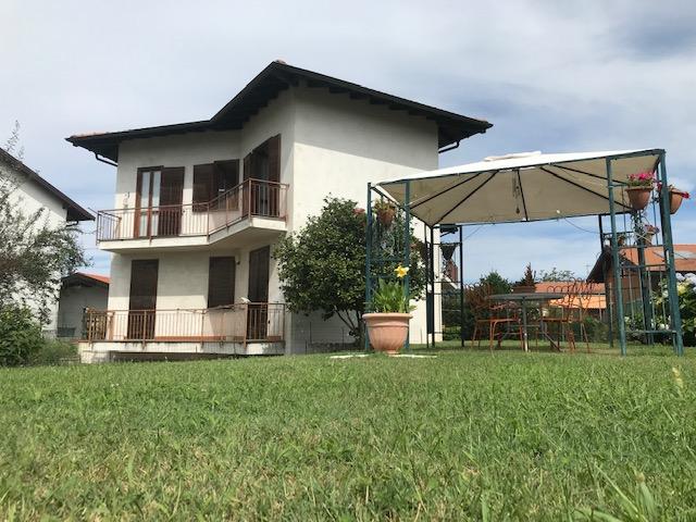 Villa Singola con due appartamenti immersa in uno splendido giardino