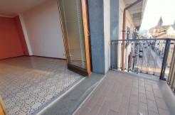 direttamente sul Corso Roma di Borgomanero, piano alto di 110 mq